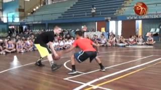 Grayson El Profesor Boucher deja grandes enseñanzas a amantes del baloncesto