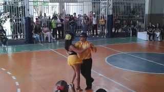 Dança das estrelas - 2013 - segundo ano - Amanda Ellen e Julio Eduardo.