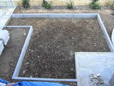 Come eseguire la posa su sabbia delle piastrelle nella for Sabbia da giardino