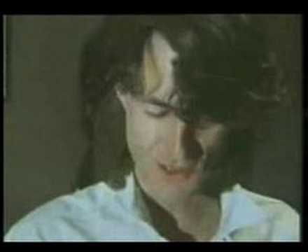 peter-hammill-refugees-beautiful-live-solo-skeleton-version-1978-professoricon