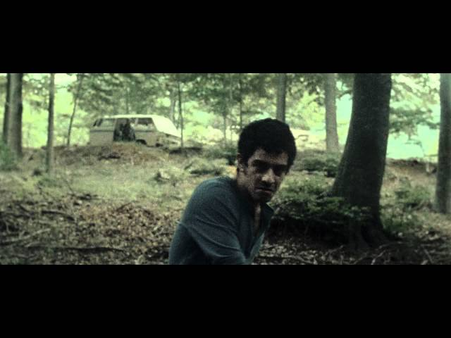 """Vídeo oficial de """"Benvolgut"""" de Manel"""
