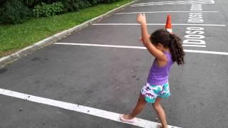 Meninas fazendo ginastica