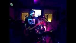 Itchyworms playing 'Ayokong Tumanda' Live @ Route 196 for #ItchyVibe sticker presscon