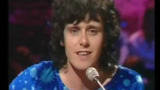 Donovan in Concert - The Pee Song