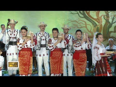 Ansamblul Folcloric Periniţa al Centrului Cultural Ion Manu din Otopeni