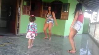 Haa menininha dançando funk ♥