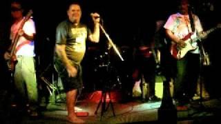 TT på sång med Robbins Band i Thailand.
