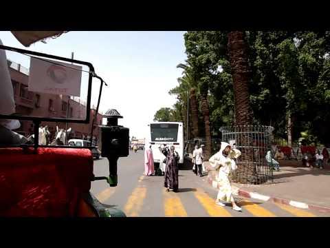 モロッコ・マラケシュのメディナを馬車のクチでまわる①(10.09.23)
