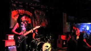 Cayetana - Dirty Laundry (live)