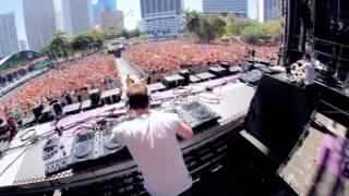 Hardwell plays 'Kontiki' (Dyro Remix) live at Ultra Music Festival 2012