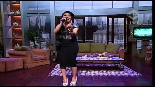 SITI BADRIAH Live At Show Imah (11-12-2013) Courtesy TRANS TV