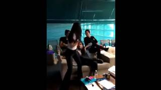 Chillin Like a Villain (Sofia, Michell, Cameron y Booboo)