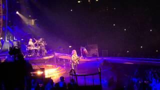 Adam Lambert fail (Milano 10-2-2015)