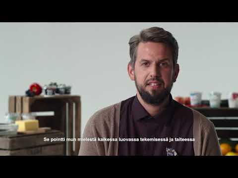 """Juhani Perämaa: """"Heittäytyvä potrettitaiteilija"""""""