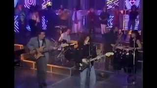 "Robbie Nevil Live  ""C'est La Vie"" on Top of the pops 1987"