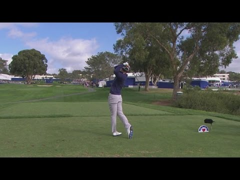 Danny Lee comes an inch away from an ace at Farmers