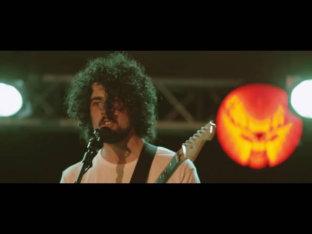 Directo de la banda madrileña Baywaves y su tema 'Brazil' grabado en distintos escenarios: El SOS 4.8, el Vida Festival y el Festival de les Arts.