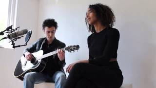 Naomi Sharon Webster - Mommy (cover - Selah Sue) With Carlo Broere on the guitar