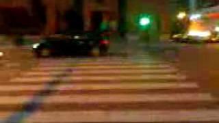 Aprendiendo a cruzar la calle