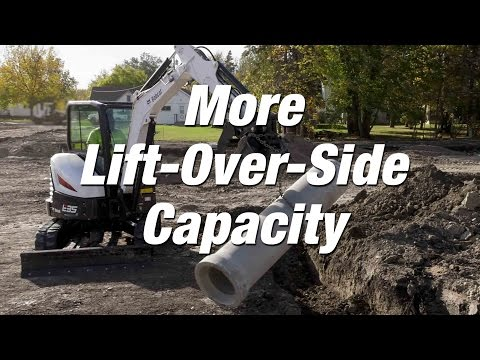 R-Series Excavators: More Lift-Over-Side Capacity