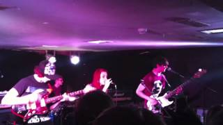 Vukovi - Gutless (Live)