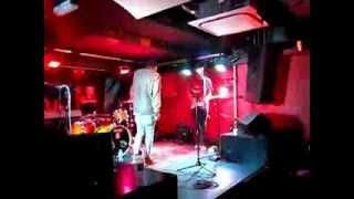 Samm Henshaw & Ill Funk performing at LDN LIVE