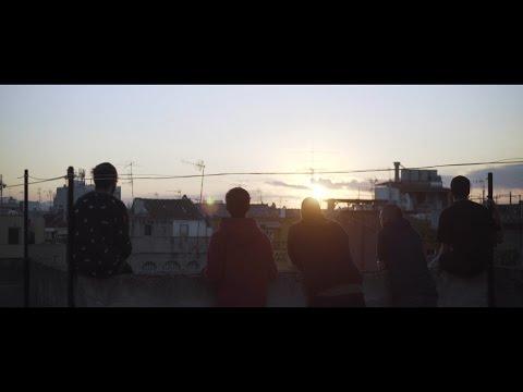 La Gente de Lagrimas De Sangre Letra y Video