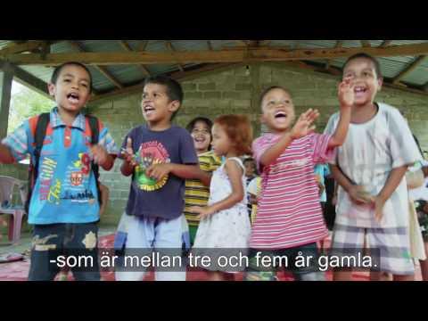 Häng med till förskolan i byn Darabai i Östtimor