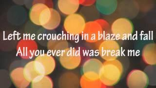 Miley Cyrus - Wrecking ball (lyrics)