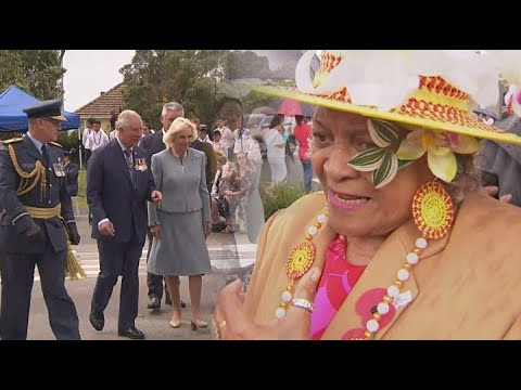 """Niuean woman gifts 'King' sized bed sheet to Camilla and """"Charlie' at Auckland ceremony"""