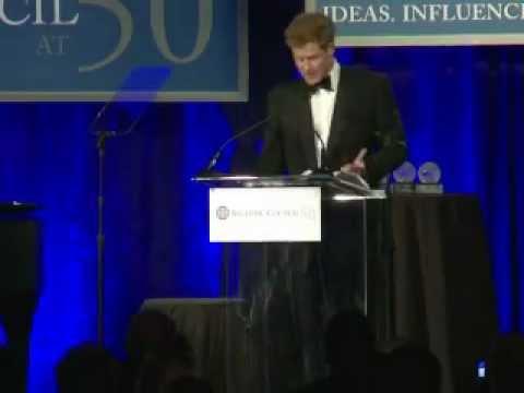 Le prince Harry honoré à Washington pour son travail humanitaire