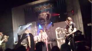 Bijouterrier - Vláda (live)