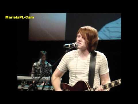 leeland-ensename-a-amar-live-lima-peru-2011-ben-pl