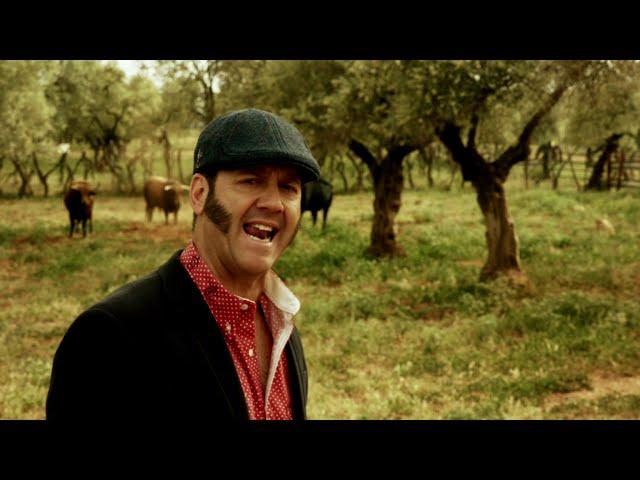 Videoclip ''Seguiré siendo campo'', de Paco Candela.
