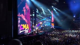 "Thomas Rhett / Maren Morris ""Craving You"" 6-10-2017"