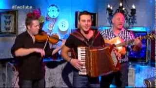 Exclusive: Nathan Carter performs 'Rock Me Momma' (Live)