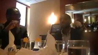 MÊME LES JPENIELS SAVENT SE TENIR AU RESTAURANT - PARTIE 1