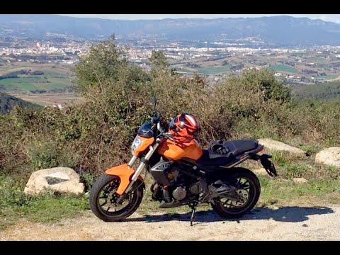 Motosx1000 :  Test Benelli BN302