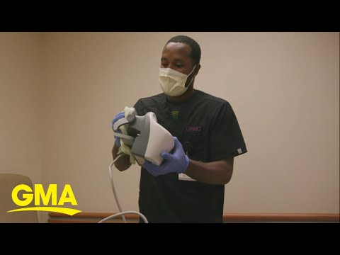 A singing housekeeper at a hospital has been bringing patients joy for years l GMA Digital