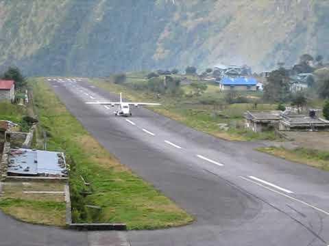 Flugzeuglandung in Lukla, Nepal