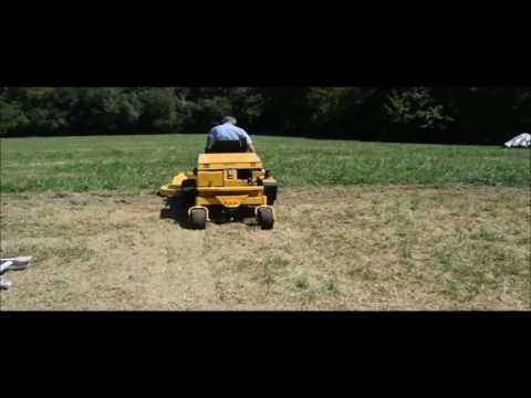 Excel Hustler 3200 ZTR lawn mower for sale | no-reserve Internet auction September 28, 2016