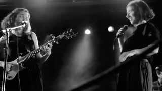 Rosal ft. Juliana Gattas (Miranda) - Bombón