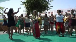 Pe na Terra Samba no Pe with Livia Oliveira