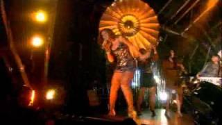 Beyoncé - Deja Vu (Live at BBC Concert)