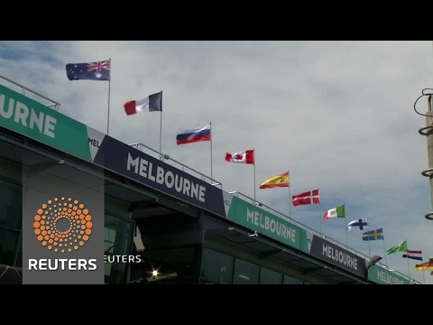 F1 teams get ready in Melbourne