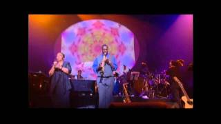 CESARIA EVORA - Nho Antone Escaderode. Live In Paris, April 2001 at the Zenith. (HD)