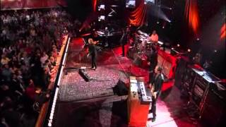 """TOM PETTY AND THE HEARTBREAKERS  live version   """"handle me with care"""".wmv"""