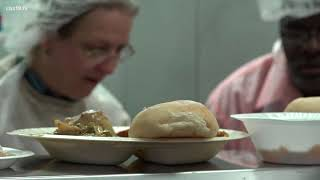 Tyler Salvation Army serves up hot meals on Thanksgiving
