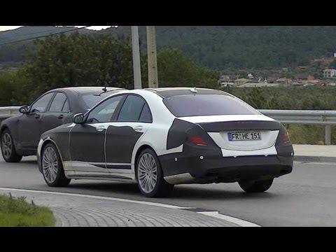 Mercedes odlicza już miesiące do premiery nowej klasy S (typoszereg W222). Zakamuflowane egzemplarze modelu przyłapano niedawno w okolicach Barcelony (czytaj więcej o technologii nowego Mercedesa klasy S).