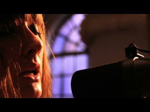 cate-le-bon-the-man-i-wanted-all-souls-church-organ-session-controlgroupco